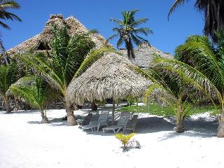 the beautful beach at Xanadu Resort in Belize